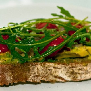 Quick Lunch Idea: Open faced Sandwich – Hummus and Avocado