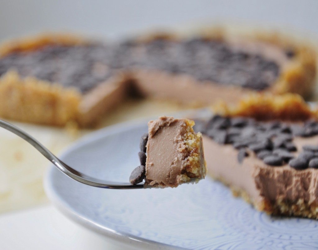 Vegan Chocolate Mousse Tart Recipe - Vegan Family Recipes