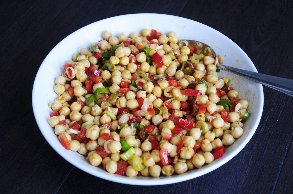 Salad Recipe with Chickpeas - Vegan Family Recipes