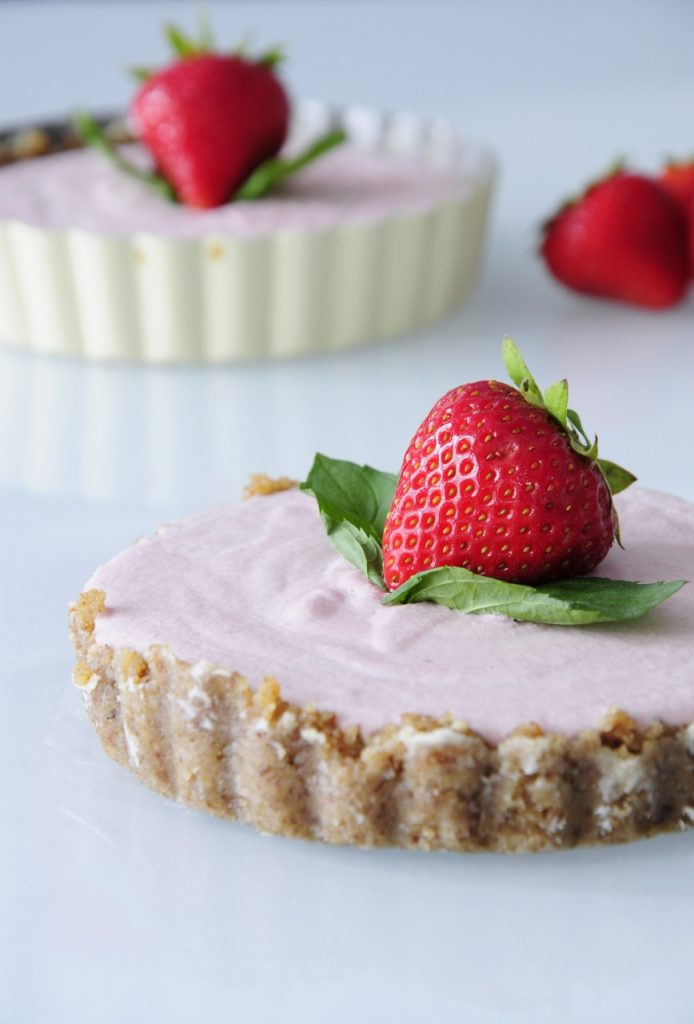 Mini Strawberry Cheesecakes - Vegan Valentine's Day Recipes #Dessert #vday #gf