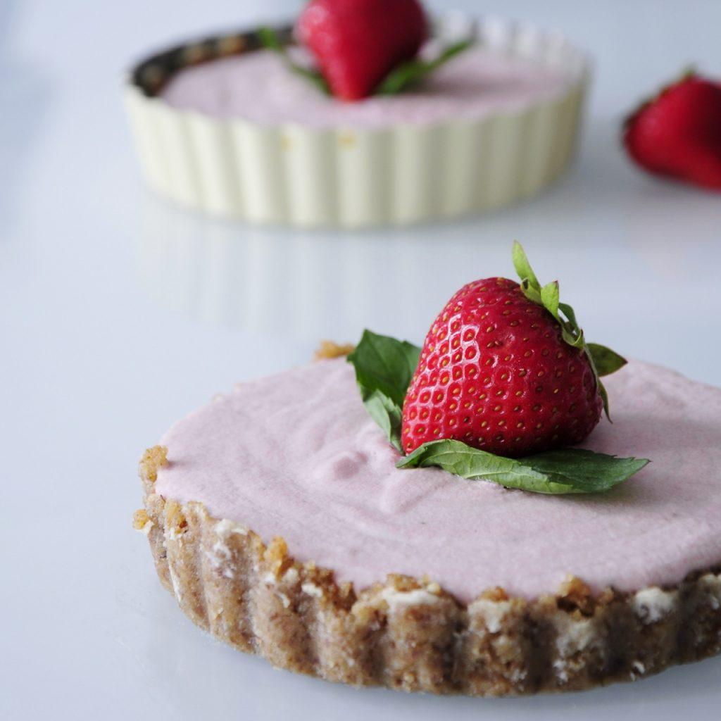 Mini Vegan Strawberry Cheesecake Recipe - Vegan Family Recipes #dessert #glutenfree #paleo