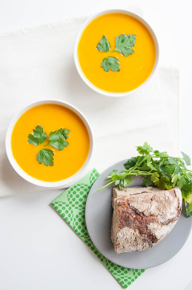 Vegan Carrot Soup with Ginger - Vegan Family Recipes #vegetarian #health #glutenfree