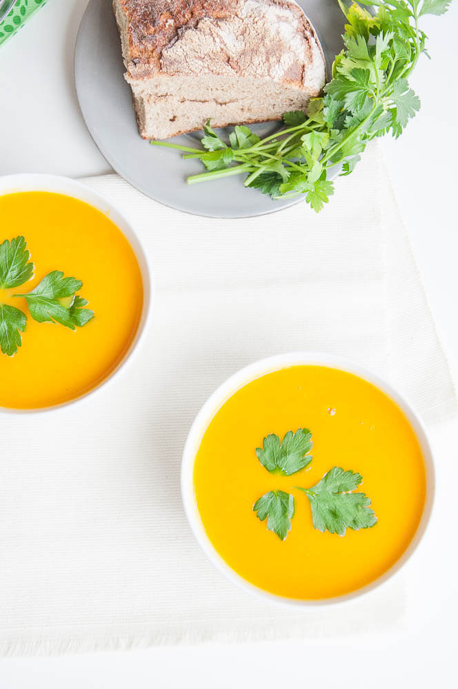 Healthy Vegan Carrot Soup with Ginger - Vegan Family Recipes #vegetarian #health #glutenfree