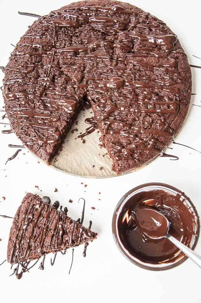 Chocolate Olive Oil Cake Recipe - Vegan Valentine's Day Recipes #Dessert #vday #gf