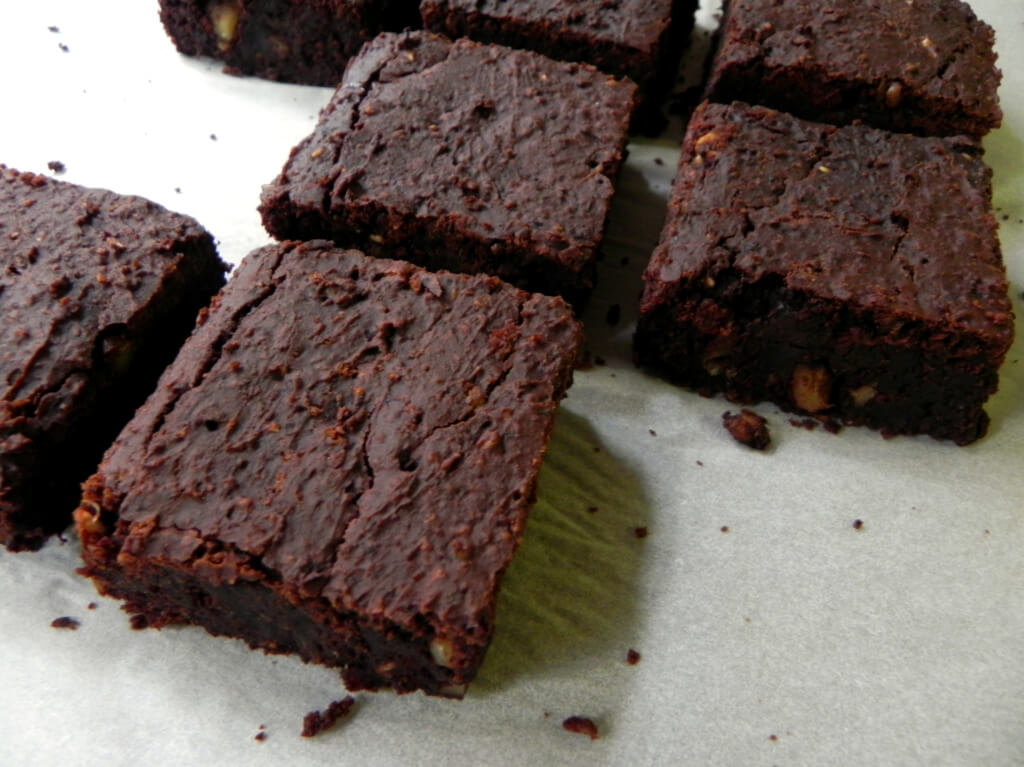 Vegan Black Bean Brownie Recipe - Vegan Coffee Desserts