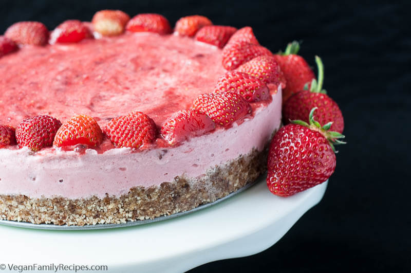 Strawberry_Ice_Cream_Cake-19