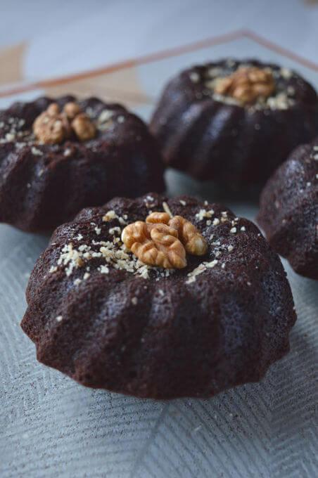 Chocolate Mini Cake Recipe - Vegan Coffee Desserts