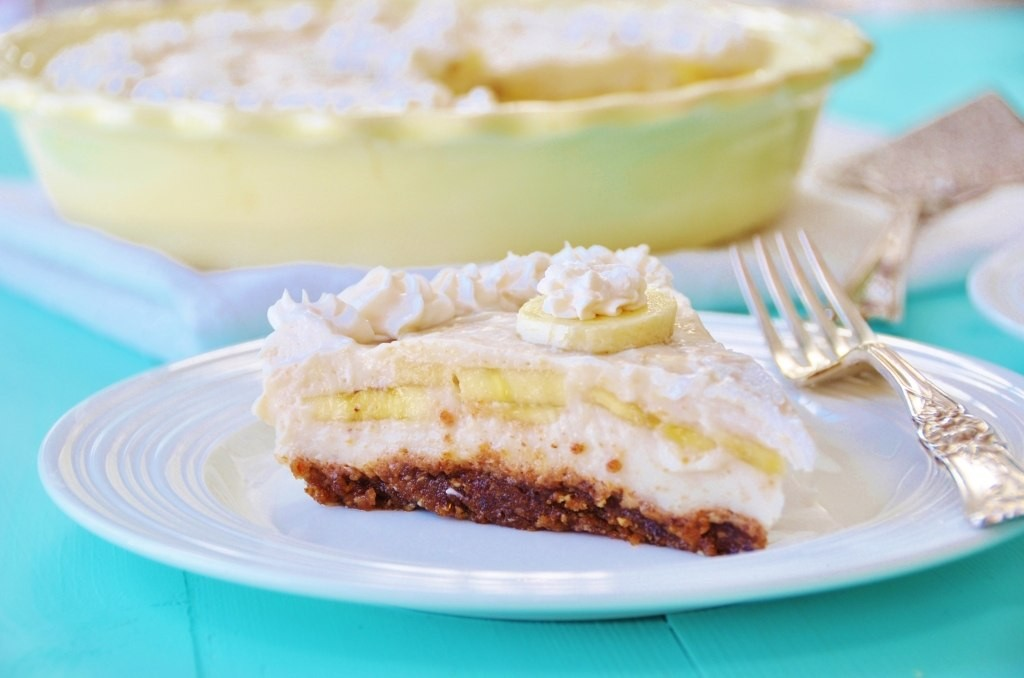Vegan Banana Cream Pie Recipe - Holiday Pie Round-up
