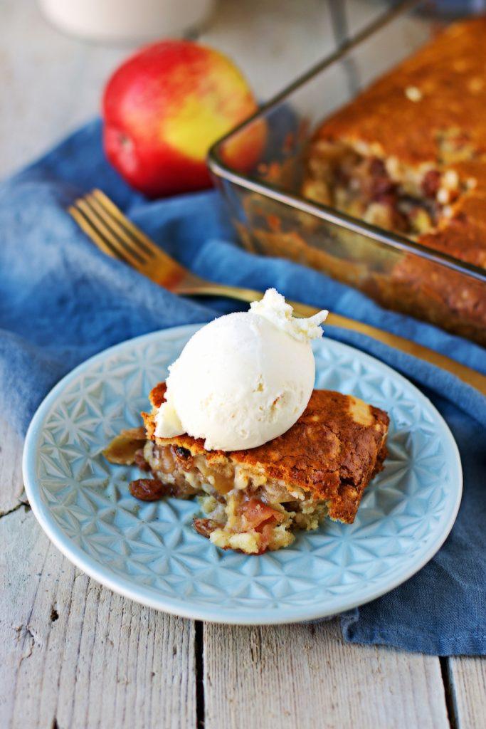 Easy Vegan Apple Cake Recipe - Vegan Thanksgiving Recipes Dinner Desserts