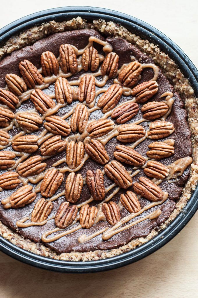 Raw Vegan Gluten free Paleo Caramel Chocolate Pecan Pie - Vegan Family Recipes