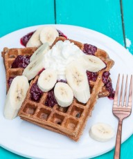 Vegan Banana Waffles Recipe - VeganFamilyRecipes.com #healthy #whole wheat