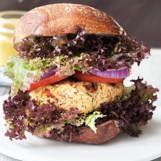 Couscous Burger w/ Garlic-Coconut Sauce (V)