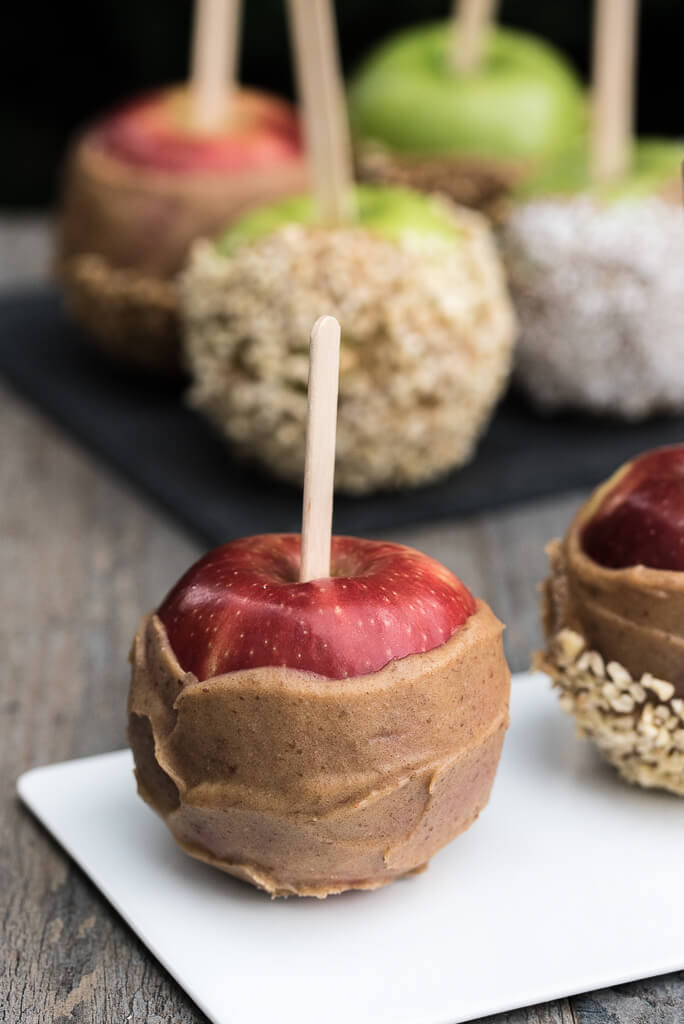 Vegan Caramel Apple Recipe made with Coconut Oil, Dates, and your choice of plant-based milk | VeganFamilyRecipes.com | #easy #autumn