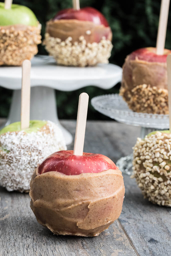 vegan Caramel Apples Recipe | VeganFamilyRecipes.com | #glutenfree #healthy