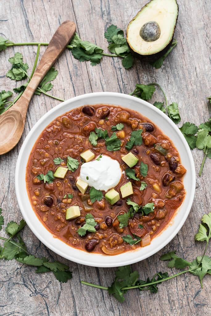 Red Lentil Chili Recipe , Quick, Easy and vegan - VeganFamilyRecipes.com #dinner #meatless