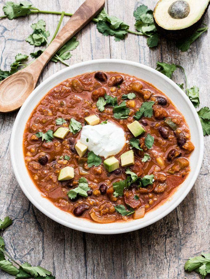Red Lentil Chili Recipe , Quick and Easy - VeganFamilyRecipes.com #vegan #dinner